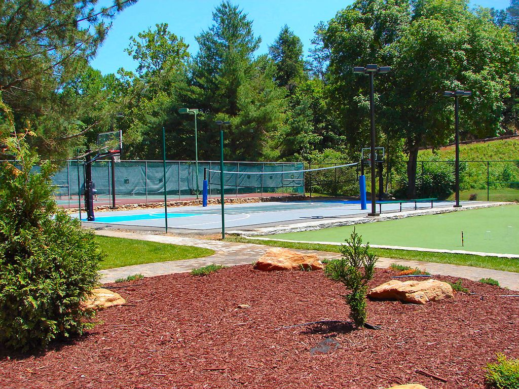 Tennis courts, basketball courts and more!