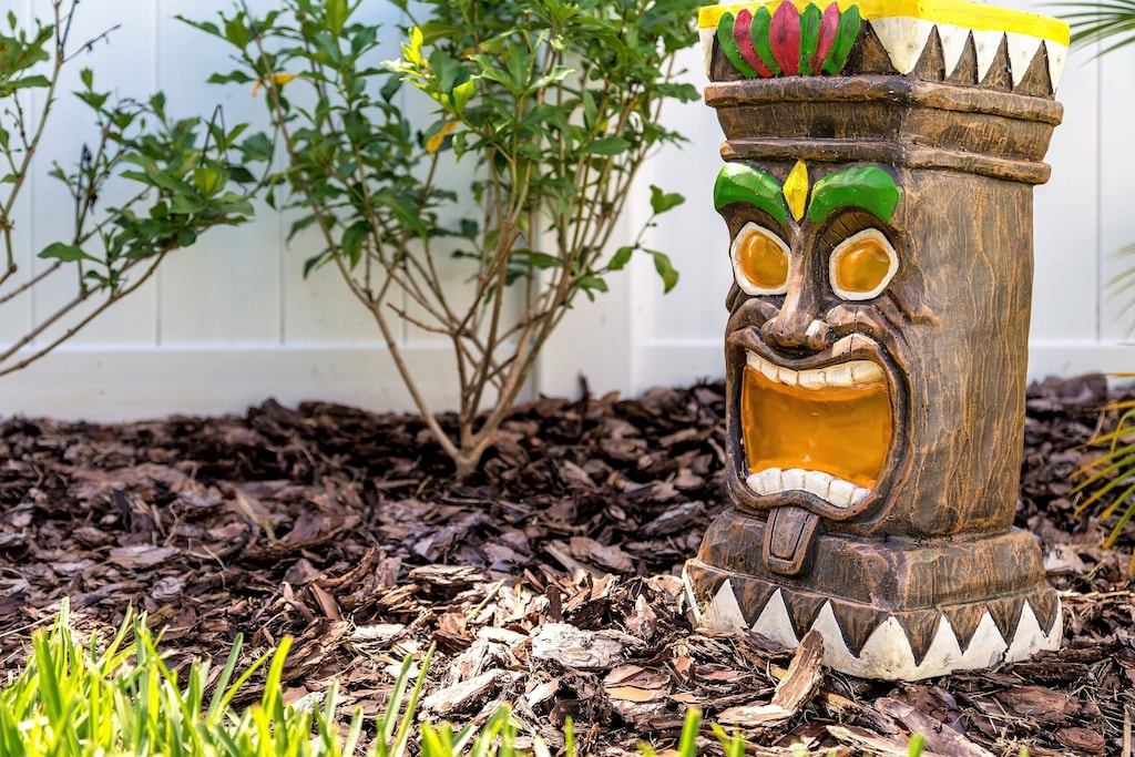 Our tikis ward off evil spirits at night with their glowing eyes.