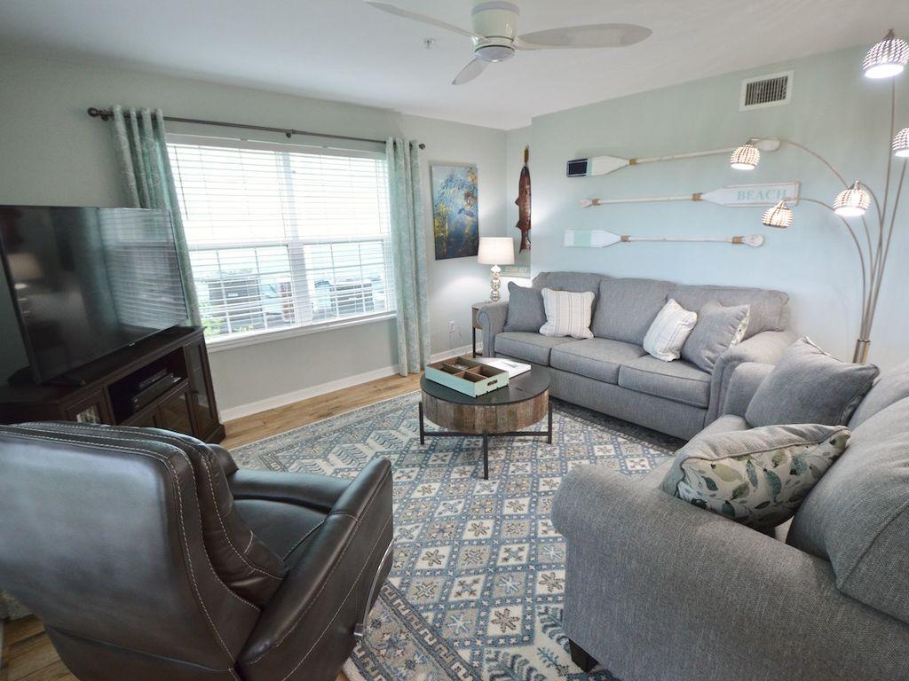 Living Area with Queen Sleeper/Sofa
