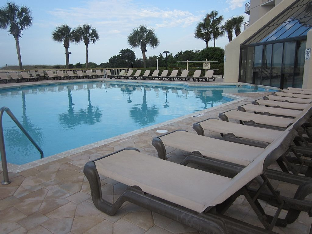 Oceanfront South Tower Pool for Residents and Guests.