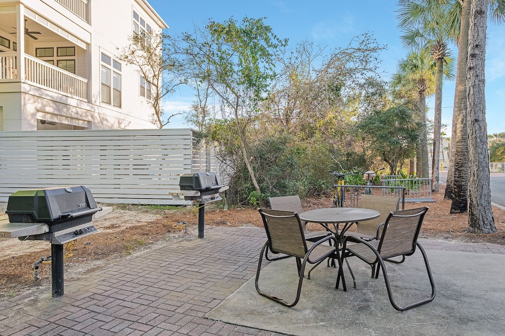 Gas grills for the guests of Villas at Seagrove Beach