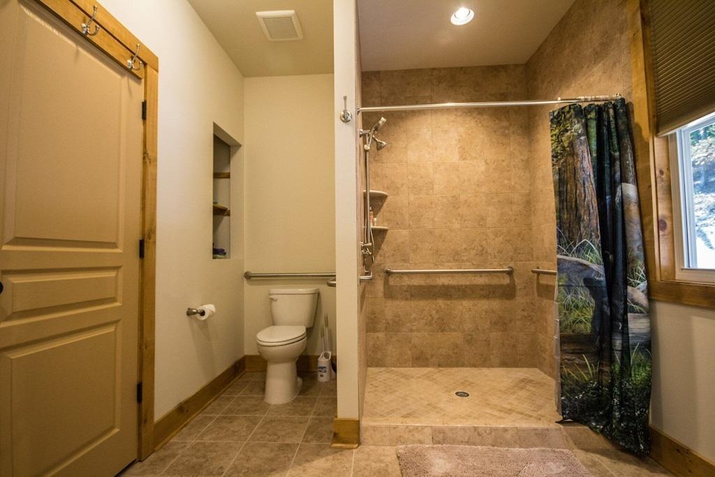 Master bathroom, handicap accessible