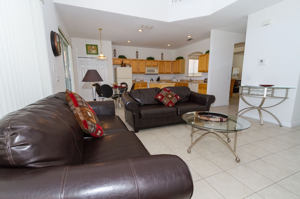 Open family room and kitchen for your large group