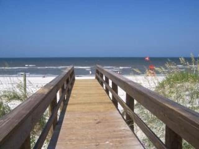Steps to the Beach
