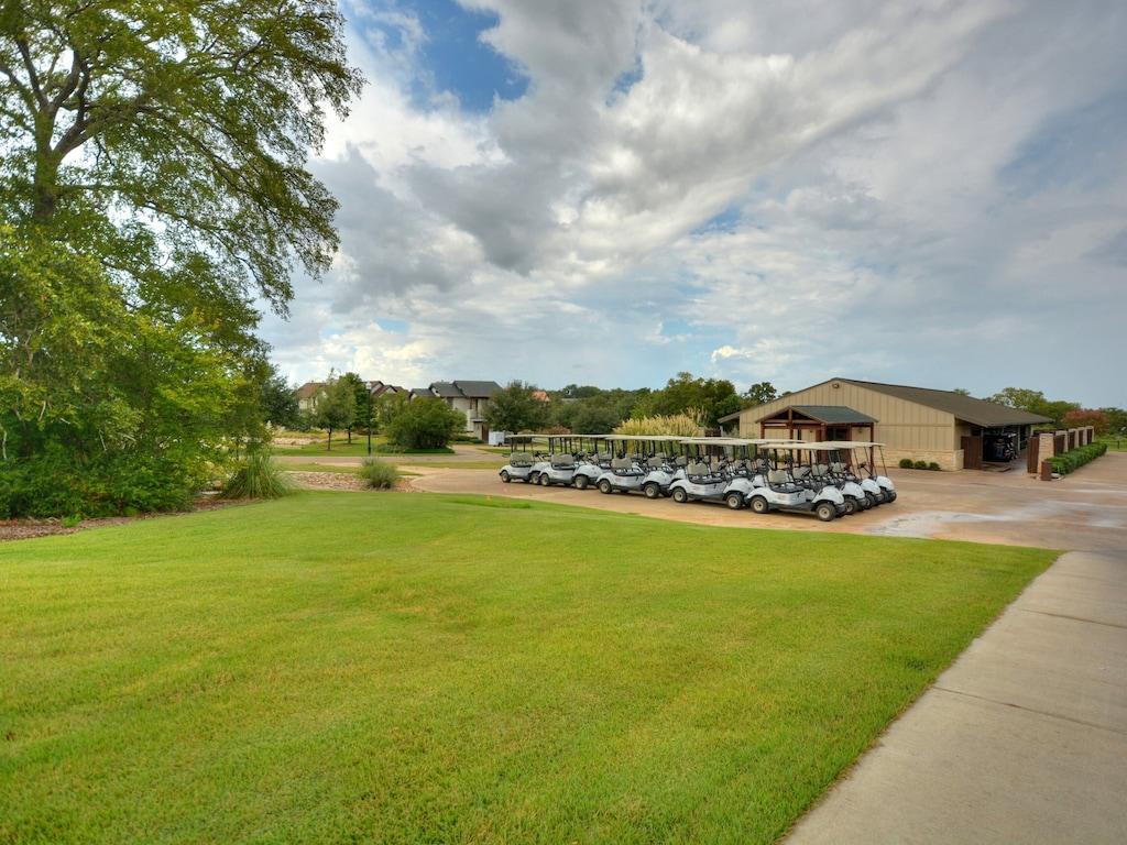 Traditions Country Club - Golf Club