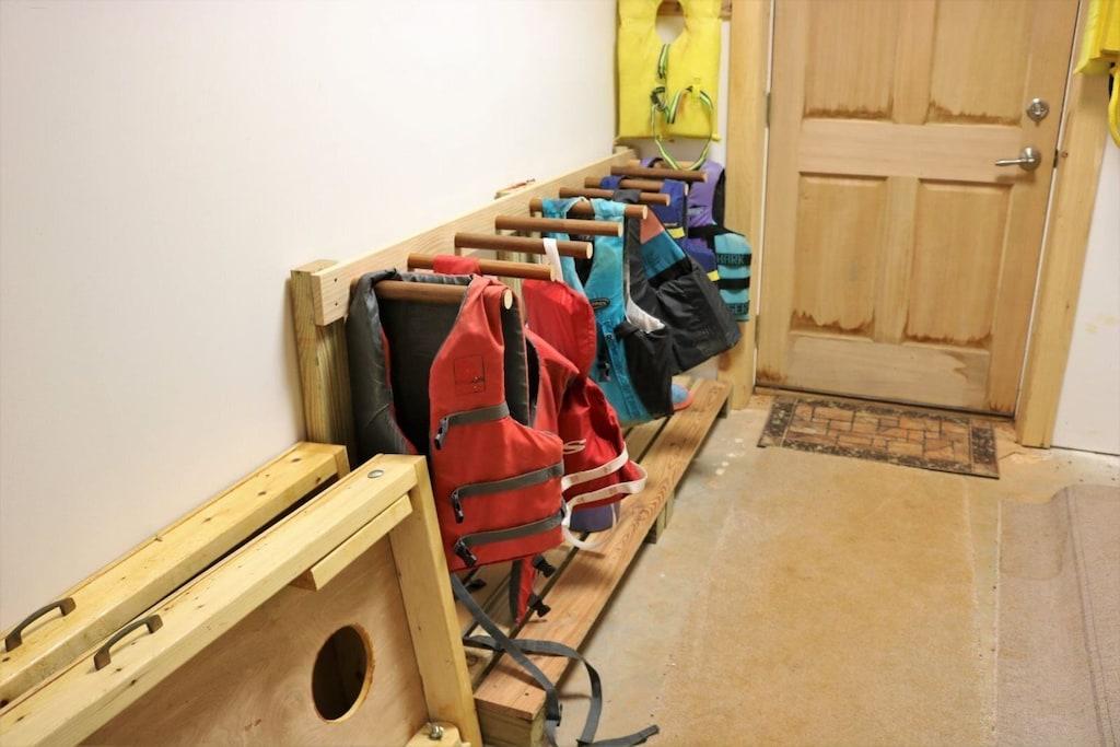 Lower level storage area