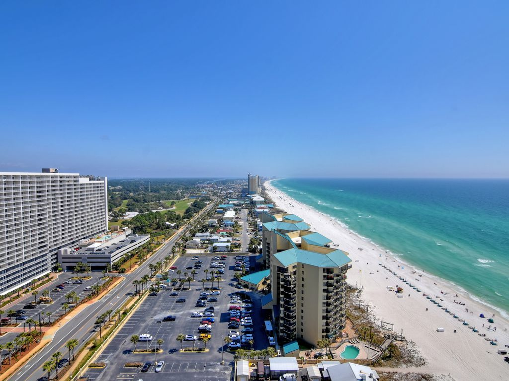 LTW is only steps from the sugary white sands of the Gulf of Mexico.