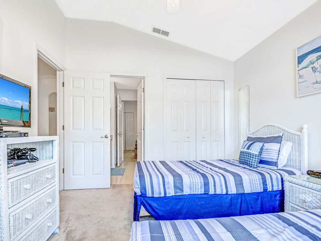 1st Bedroom w/ Shared Bathroom