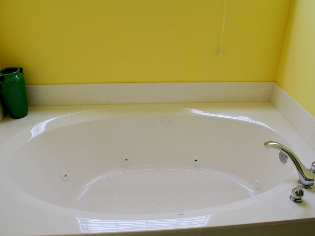 both master baths have jetted tubs