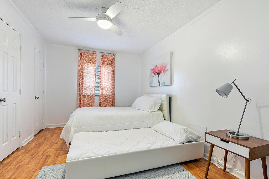 Queen Bedroom w/ Twin Trundle
