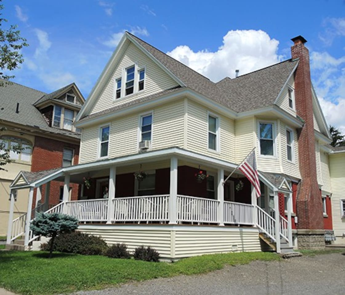 Cooperstown Baseball Rentals Triple Play #2R is one of 3 apartments located in the same home.  Located within walking distance to downtown dining and shopping, and only 3 miles to All-Star Village, this is a desirable location for multiple families on the