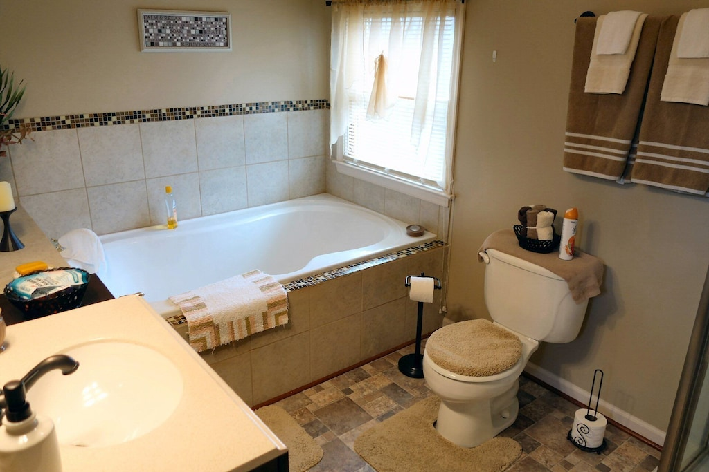 Another bathroom with modern fixtures