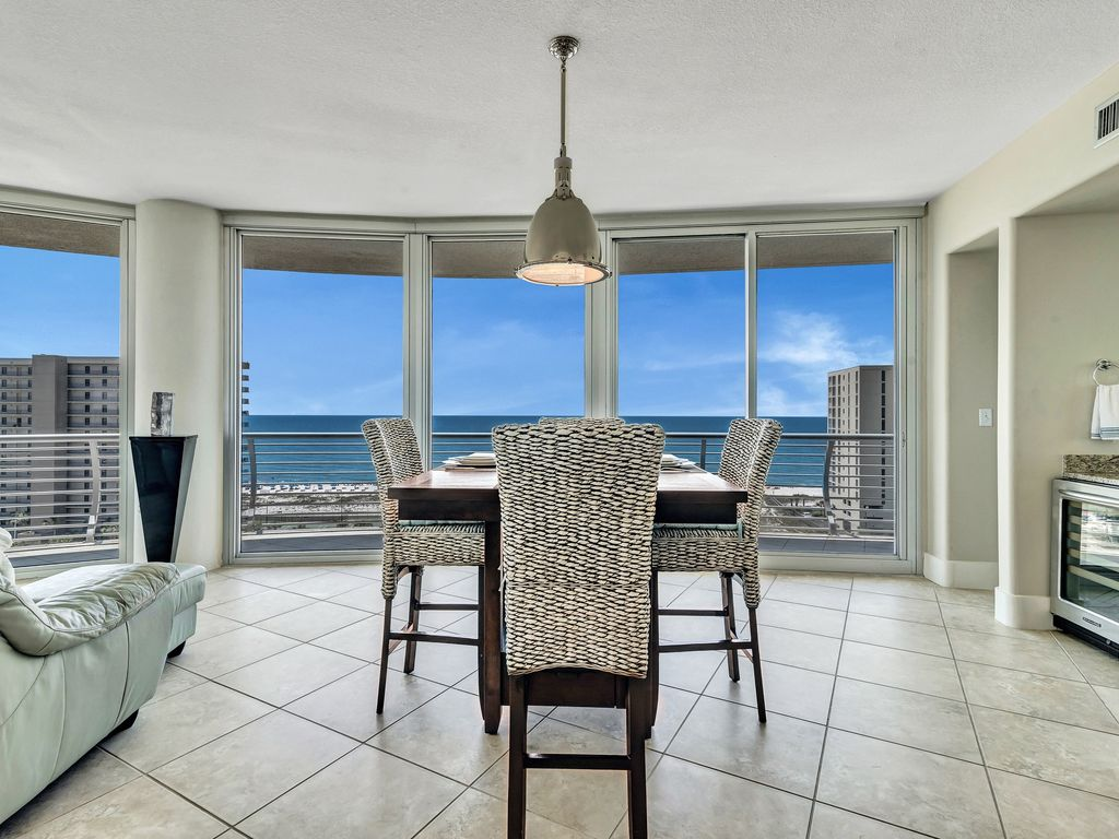 Dining with beach view