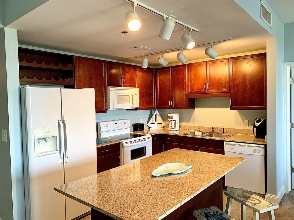 This beautiful kitchen offers all you need to prepare a basic meal.