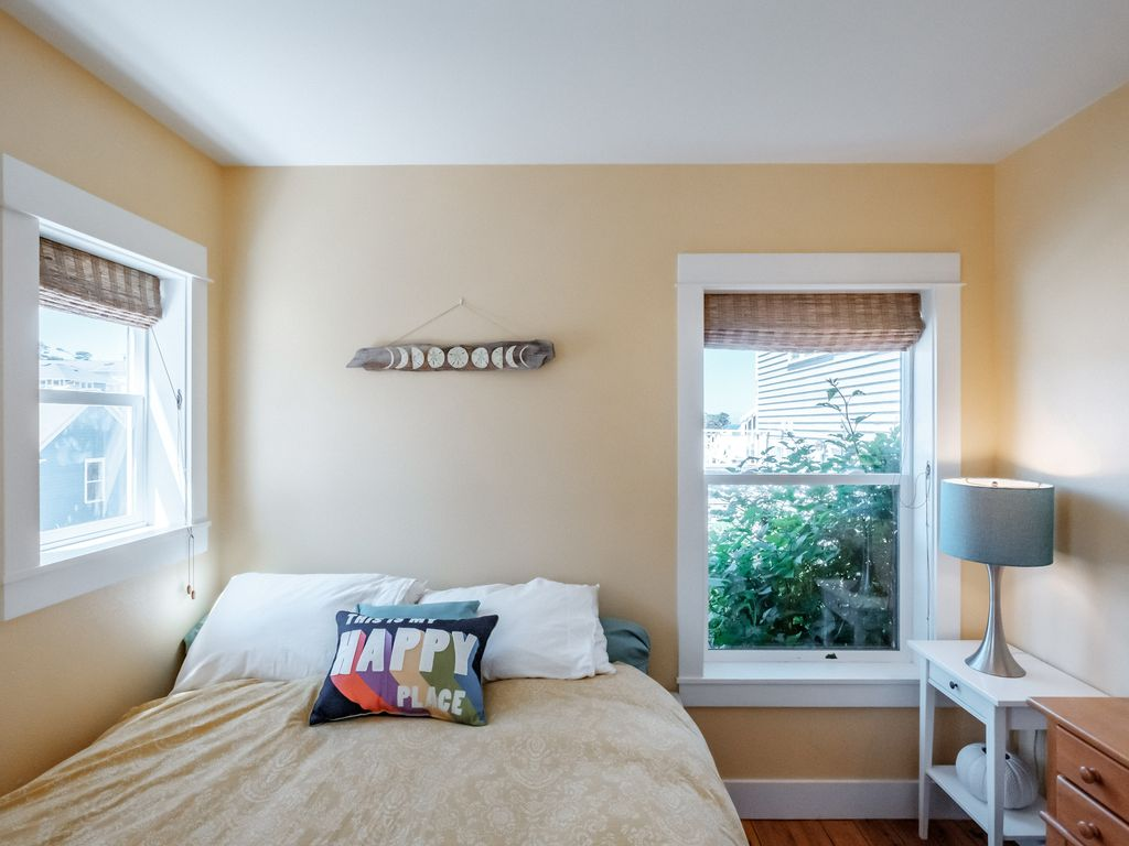 The bedroom has a comfy queen bed and is cozy for ultimate beach relaxing.