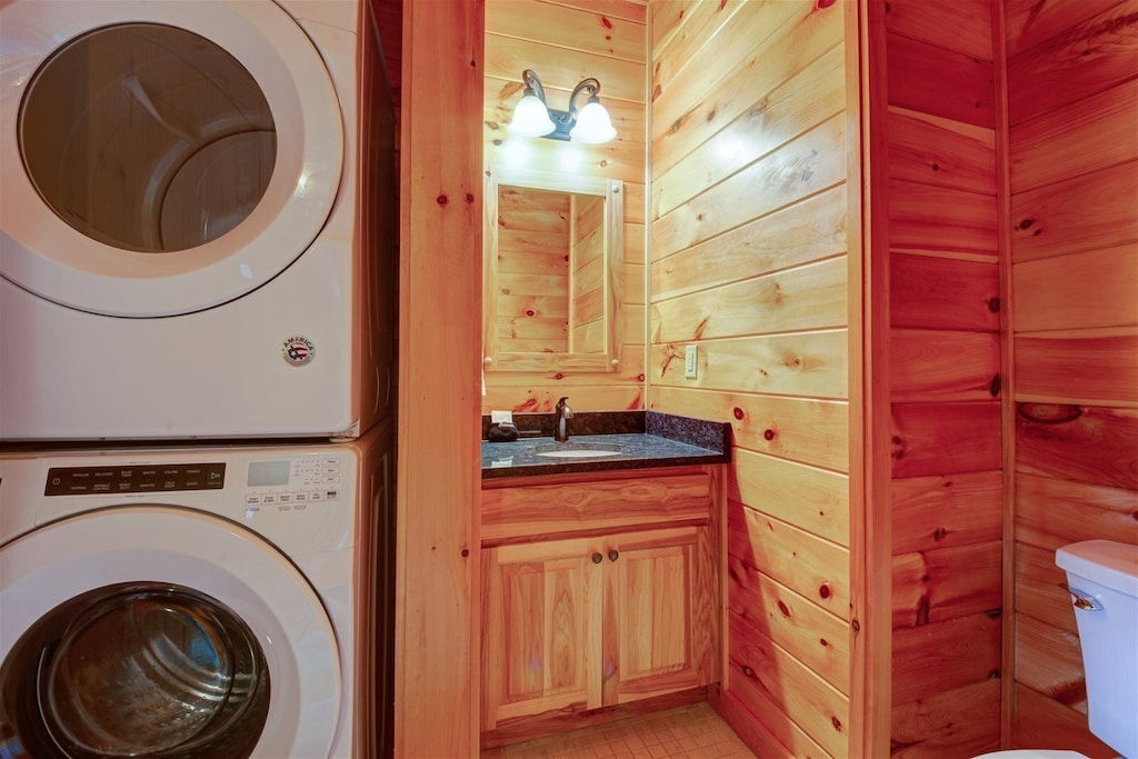 Stack washer/dryer and half bath on main level