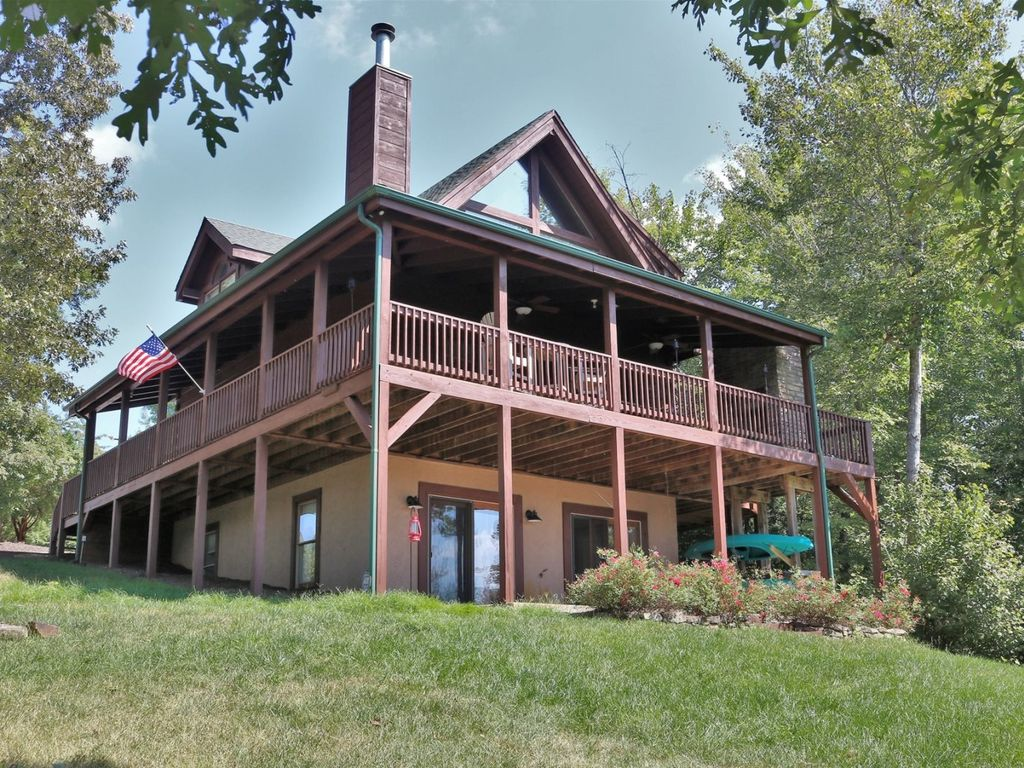 Located in Laurel Lakes Community this home has access to a private lake and has a lake view.