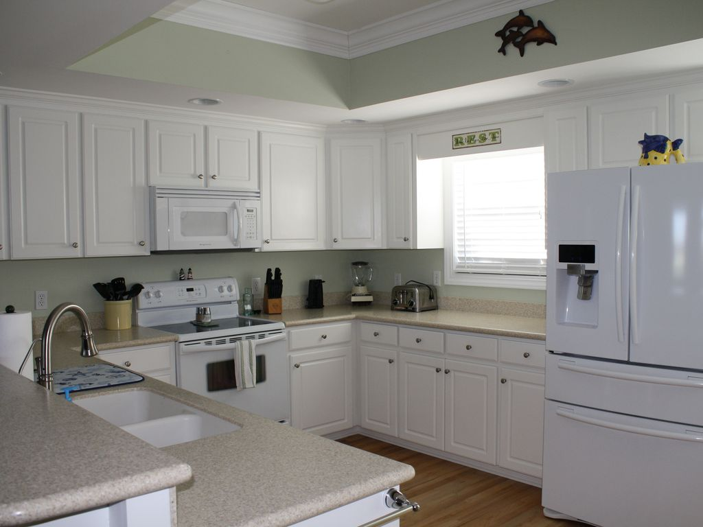 Beautiful well appointed kitchen