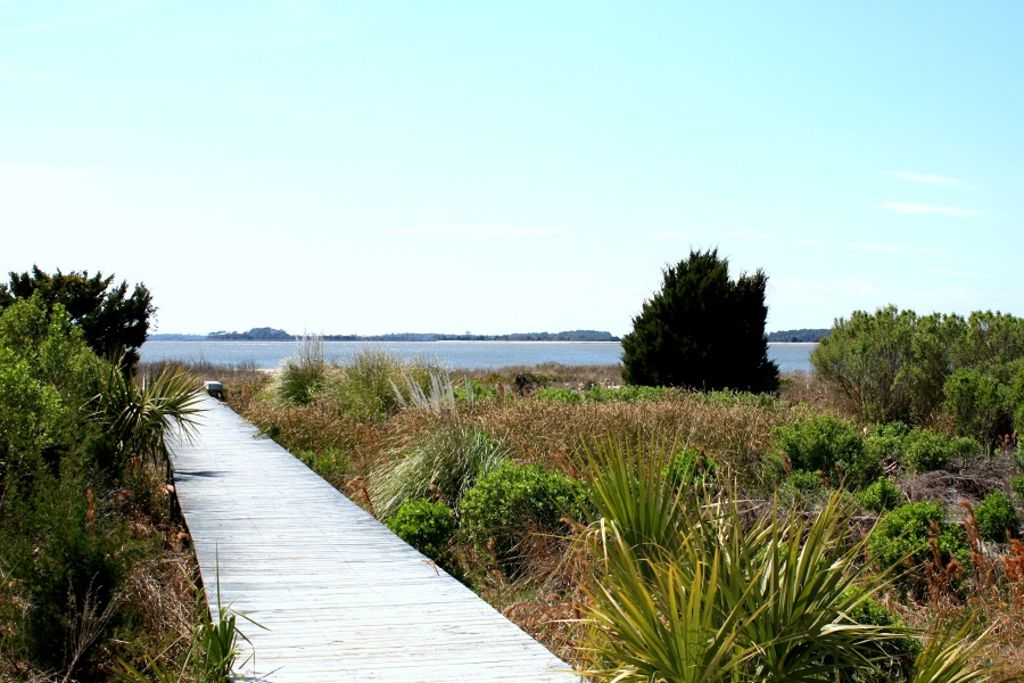 Walkway to the beach!
