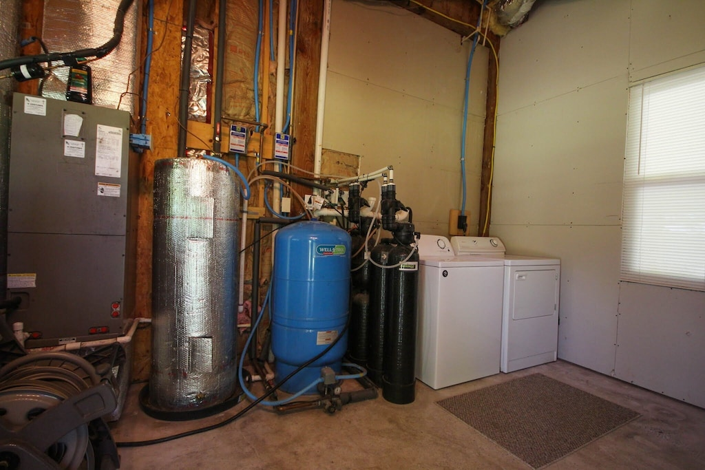 Whole-house water filtration, washer & dryer and central a/c