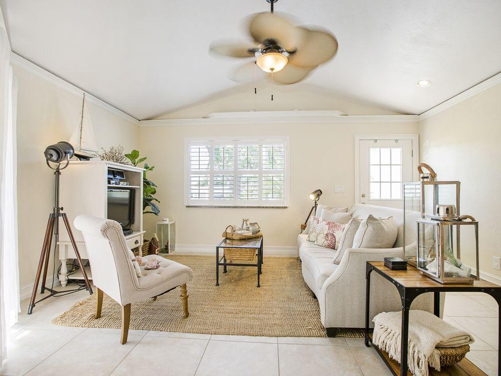 Wohnzimmer: im offen gestalteten Wohnbereich lässt es sich herrlich entspannen.