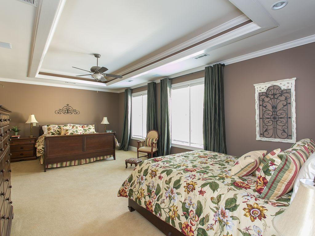 Main floor bedrm