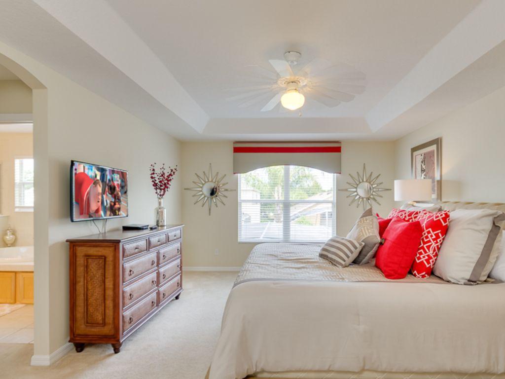 Master Bedroom W/ En-suite