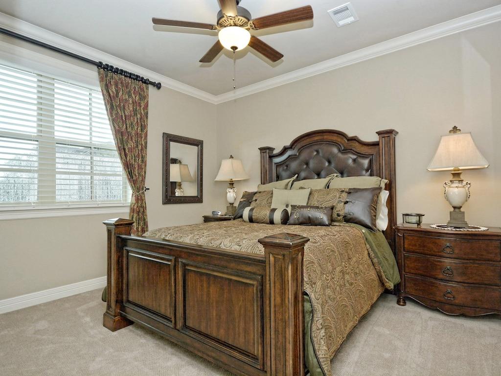 Upstairs Guest Bedroom (Bdrm #5)