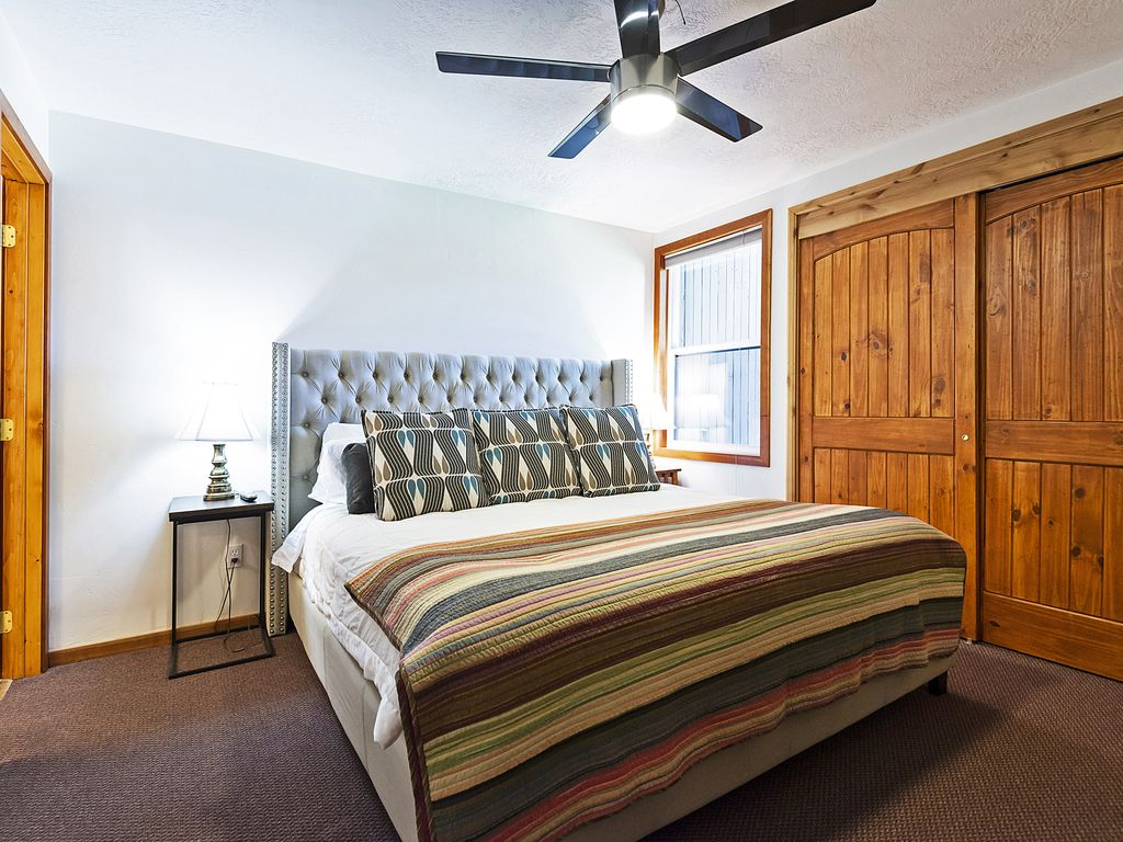 Master bedroom on main level.  king bed, flat screen TV, ensuite bath