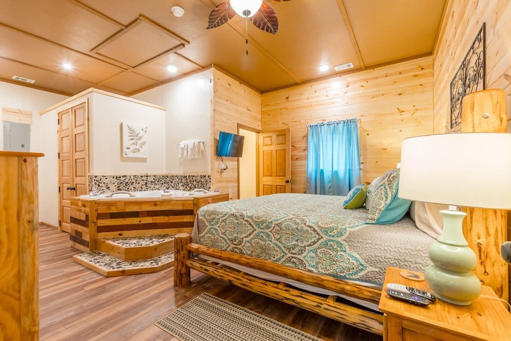 Master Log Bed