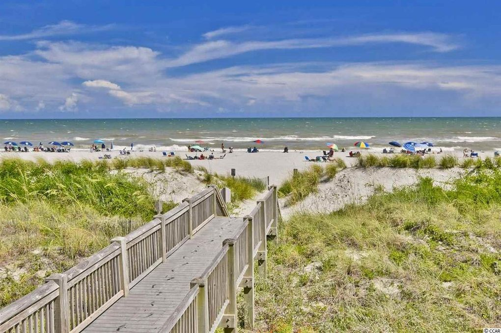 Hourly shuttles from Barefoot Resort to Windy Hill Beach