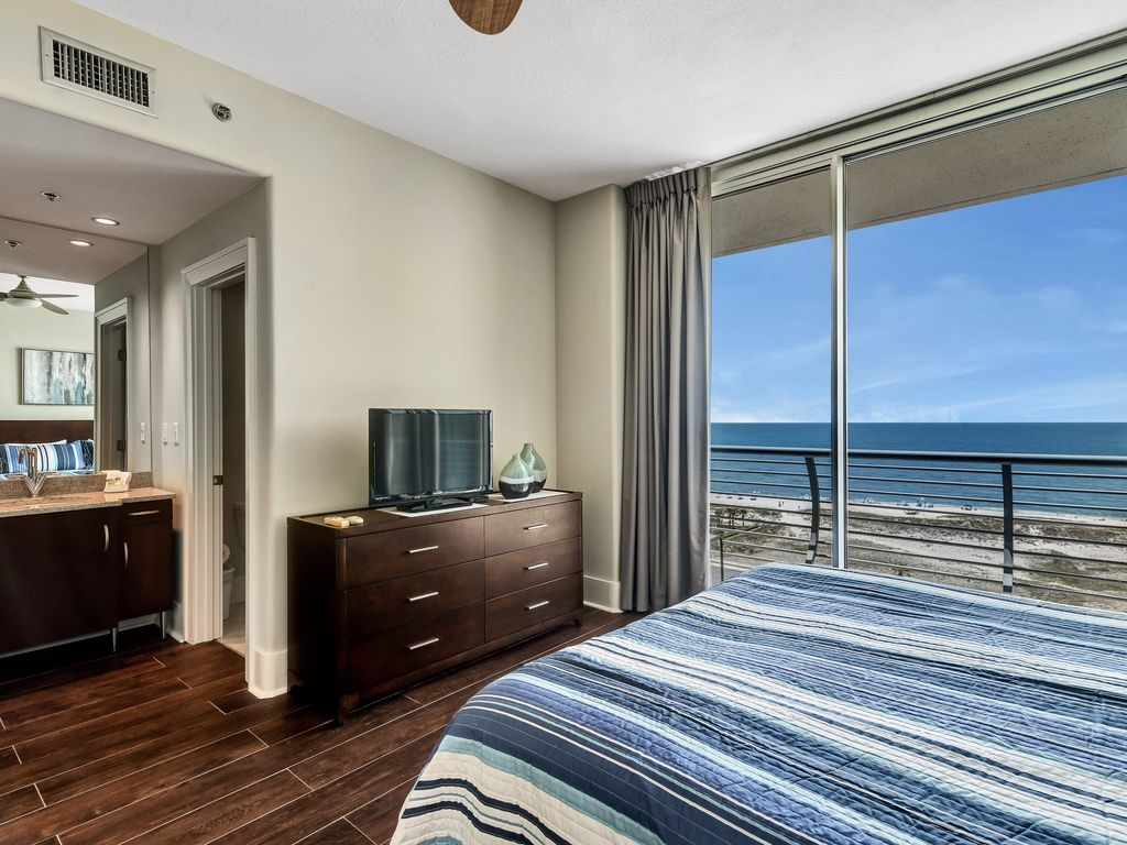 Guest Suite with Beach View