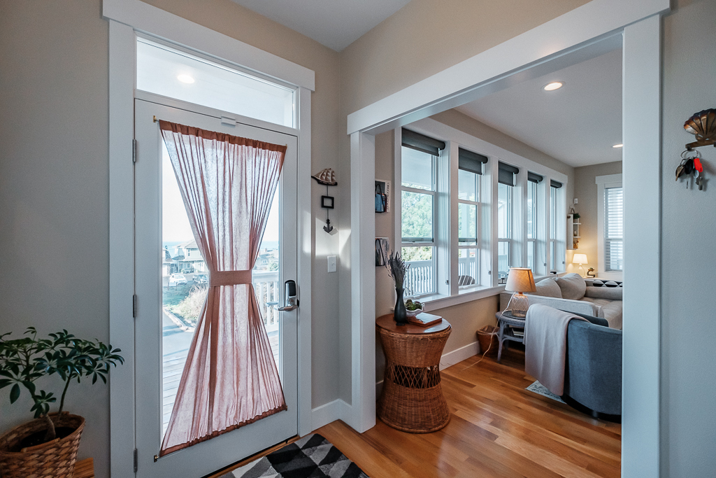 Welcoming from the start, details abound in this home. You'll feel you are staying at a friend's instead of a rental.