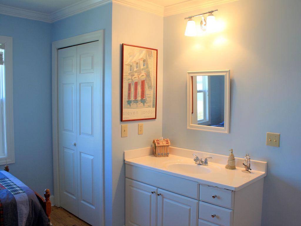 guest bedroom 4's vanity