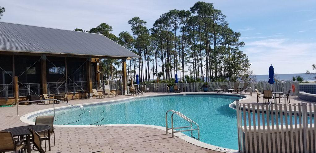 Pool less than 1 mile drive