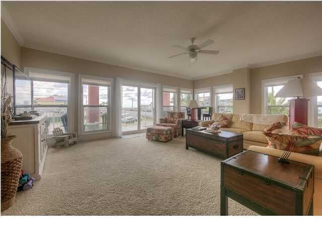 Large Living Room with plenty of room