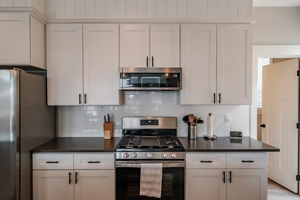 Service for your whole family and all guests; cook, bake, fry or re-heat with ease.
