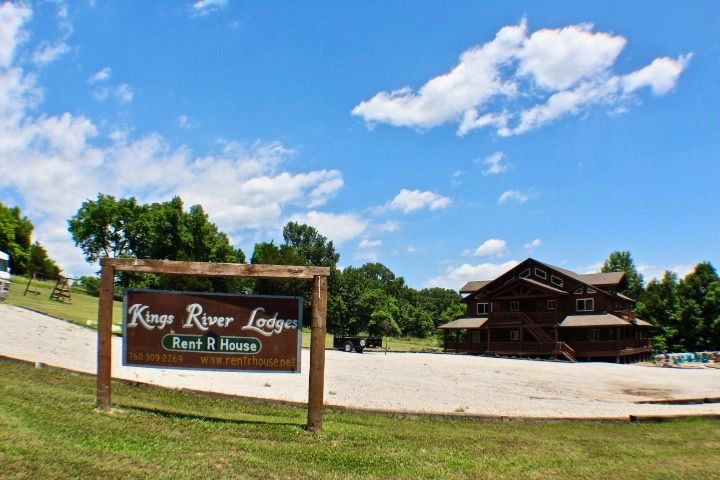 Kings River Lodges by RentRHouse