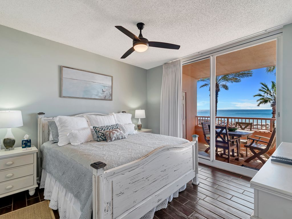 King Master Suite With Balcony Access