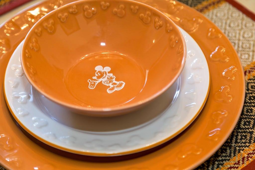 Enjoy our beautiful full set of Disney dishes!