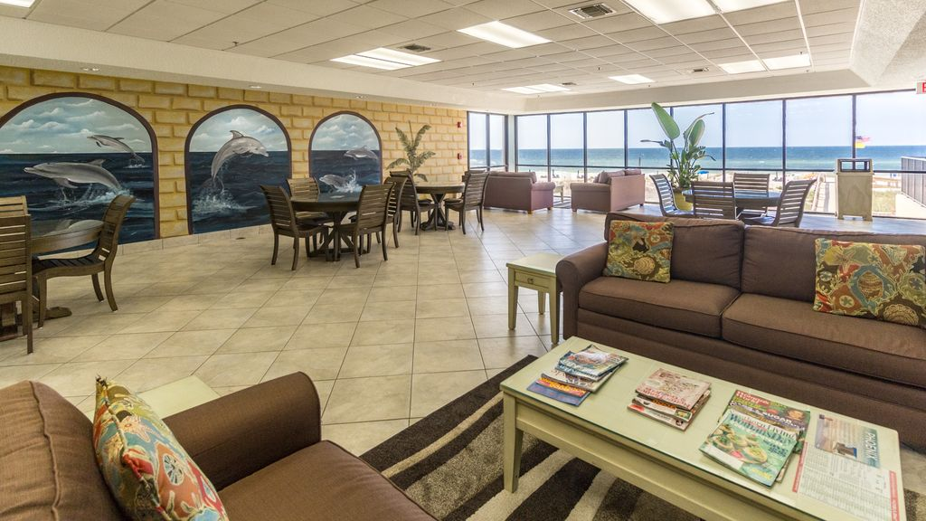 Common/Area Lounge