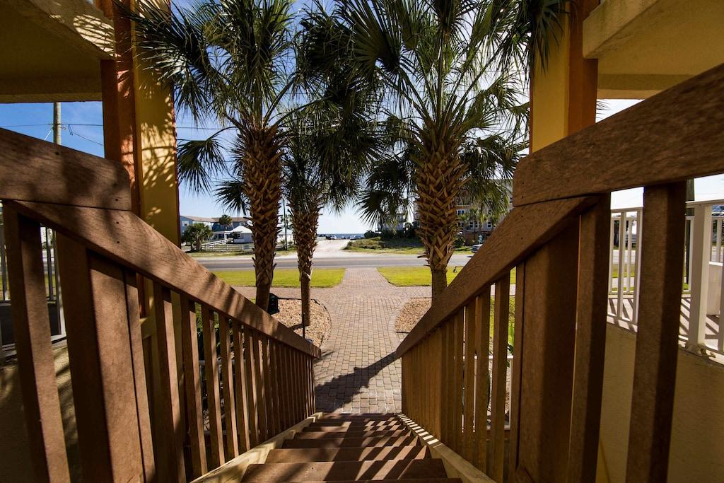 Beautiful walkway to the beach