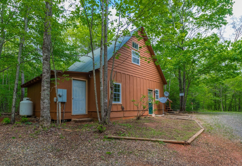 Outdoor view of cabin and laundry room