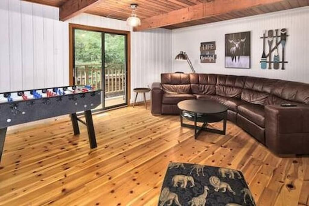 Games Room with Smart TV and Foosball table and board games