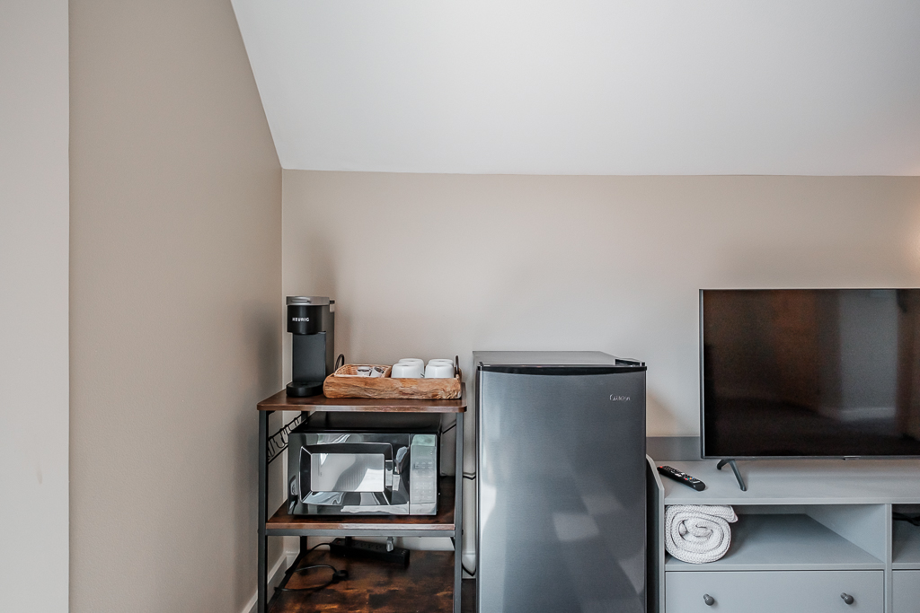 Kitchenette for preparing for your day (or finishing it off).