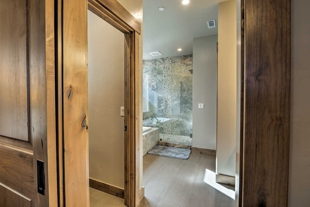 Luxury Soaking Tub in Master Suite