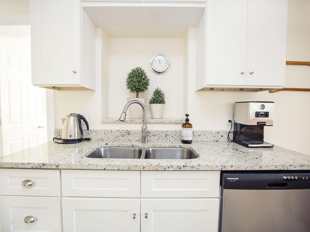 Unsere Moderne Küche lässt keine Wünsche offen...