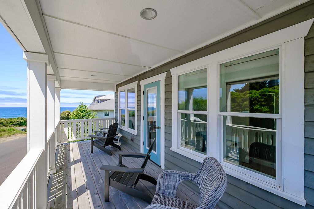 Ocean view master deck is worth calling dibs.