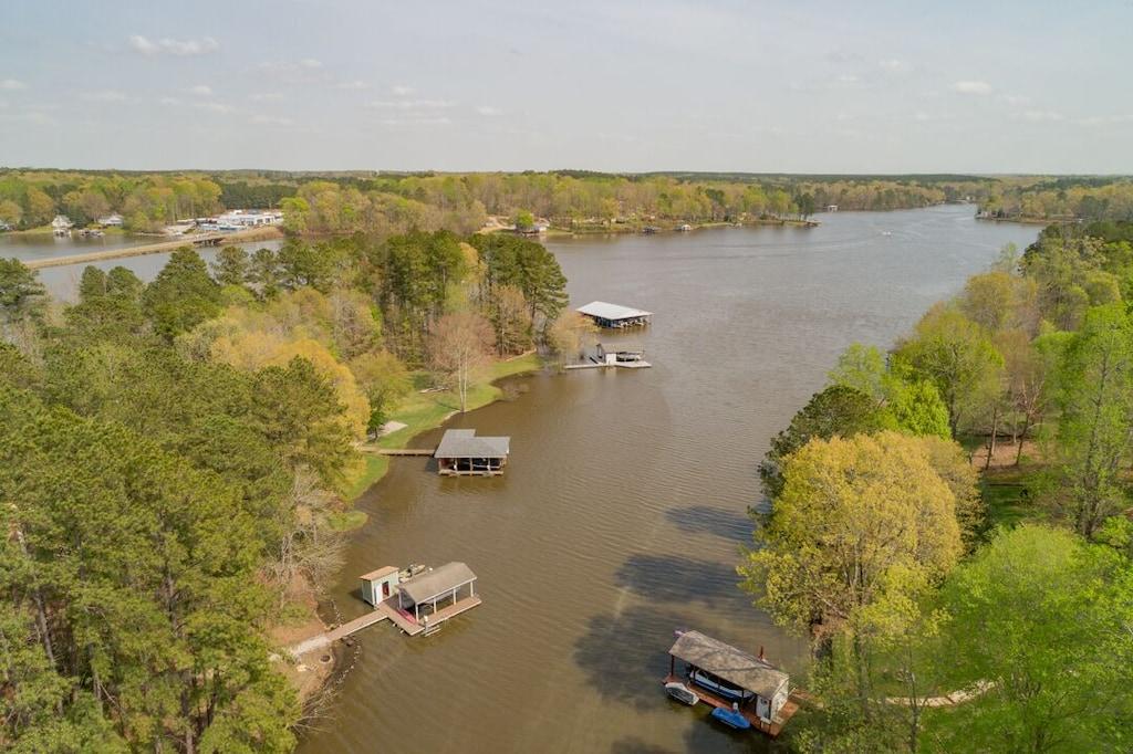 arial view to main lake