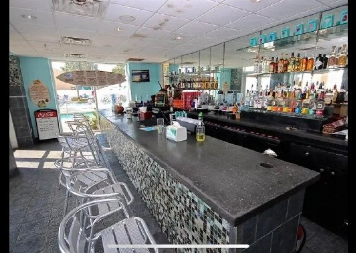 H2O bar and grill
